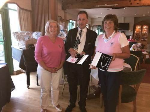 Ruairi presenting prizes to Carrick on Shannon GC - Back 9 winners